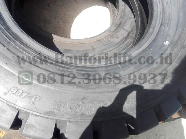 ban forklift 7.00-15 Bridgestone Jlug (1)